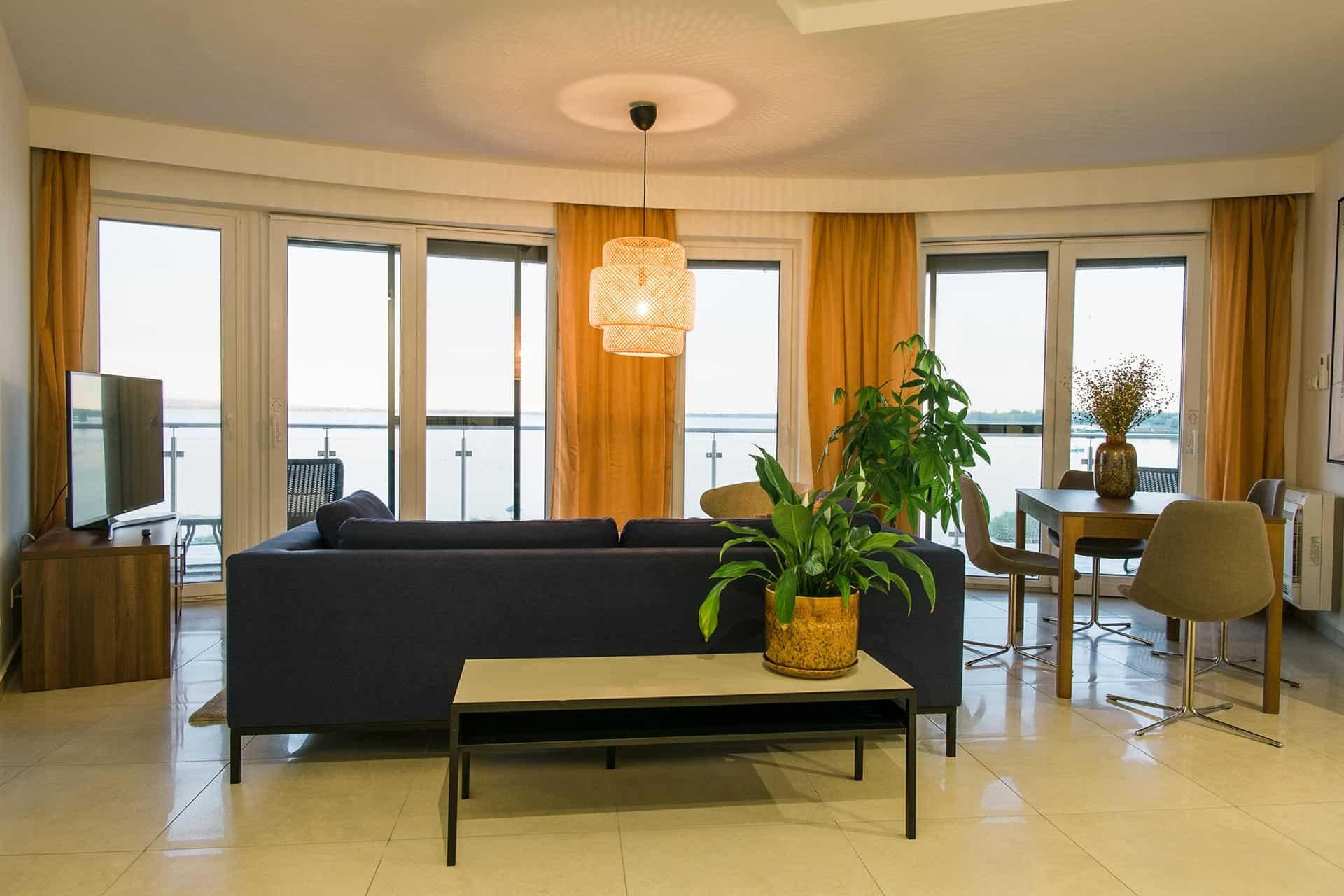 Balatoni panorámás vízparti Apartmanok Keszthely - nappali szoba.